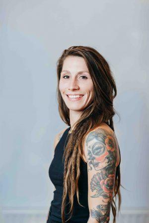 Denise van Vroenhoven_ Vinyasa Yoga en Yin Yoga
